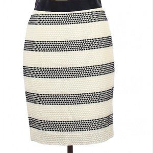 NWT --- Ann Taylor Black/Ivory Pencil Skirt, Size